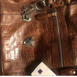 Handbags - Avantair shipping label